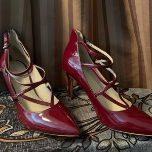 Marc Fisher 3 Buckle Strap Heels Red 9.5M 034